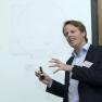 André Glardon, Geschäftsführer der medneo GmbH, beschreibt den Weg