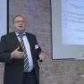 Jörn-Dieter Korsch vom Norddeutschen Epilepsiezentrum für Kinder und Jugendliche, präsentiert den elektronischen Behandlungskalender EPI-Vista.