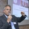 """Caspar Graf Stauffenberg, Geschäftsführer der CatCap GmbH, spricht zum Thema """"Innovationen im Gesundheitswesen und Wagnisfinanzierung""""."""