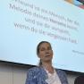 Dr. med. Susanne Kreft, Leiterin einer Privatpraxis für Ganzheitsmedizin in Rostock, stellt das Konzept der Herzschule Rostock vor.
