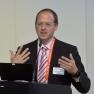 Prof. Dr. Timo Schinköthe  erläutert das Projekt CANKADO zur Steigerung der Therapieadhärenz in der Onkologie.