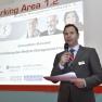 Laudator Prof. Dr. Arno Elmer, Geschäftsführer der gematik, gibt den ersten Preisträger bekannt.