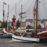 Ein buntes Gewirr von Schiffsmasten zeigt sich vor St. Pauli.