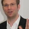 Björn C. Hasse, Kommunikationsberater und Social Media-Experte, und Director Health der Edelman GmbH beleuchtete in seinem Vortrag, wo sich Ärzte im Web 2.0 bewegen und wie man sie dort einbinden kann.
