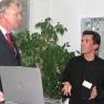 Bodo Kröger aus dem Vorstand des Medizin-Management-Verbands stellen im Zwiegespräch Besonderheiten der Radiertechnik heraus.